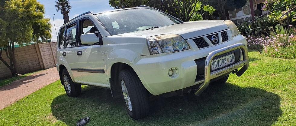 2004 Nissan X trail 2.0 4X2 - # 100335
