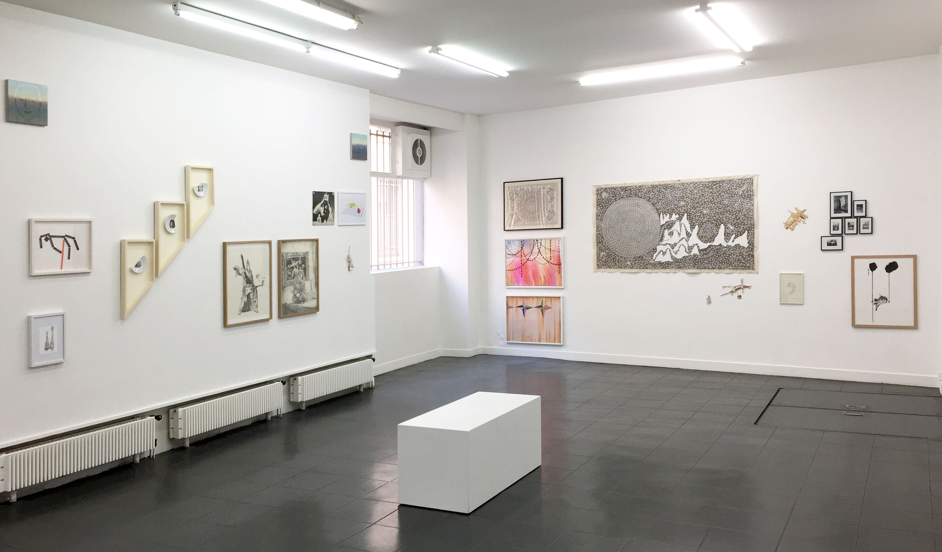 Galerie-Metropolis-VUE-EXPOSITION-DESSINS-PERTURBATEURS-2