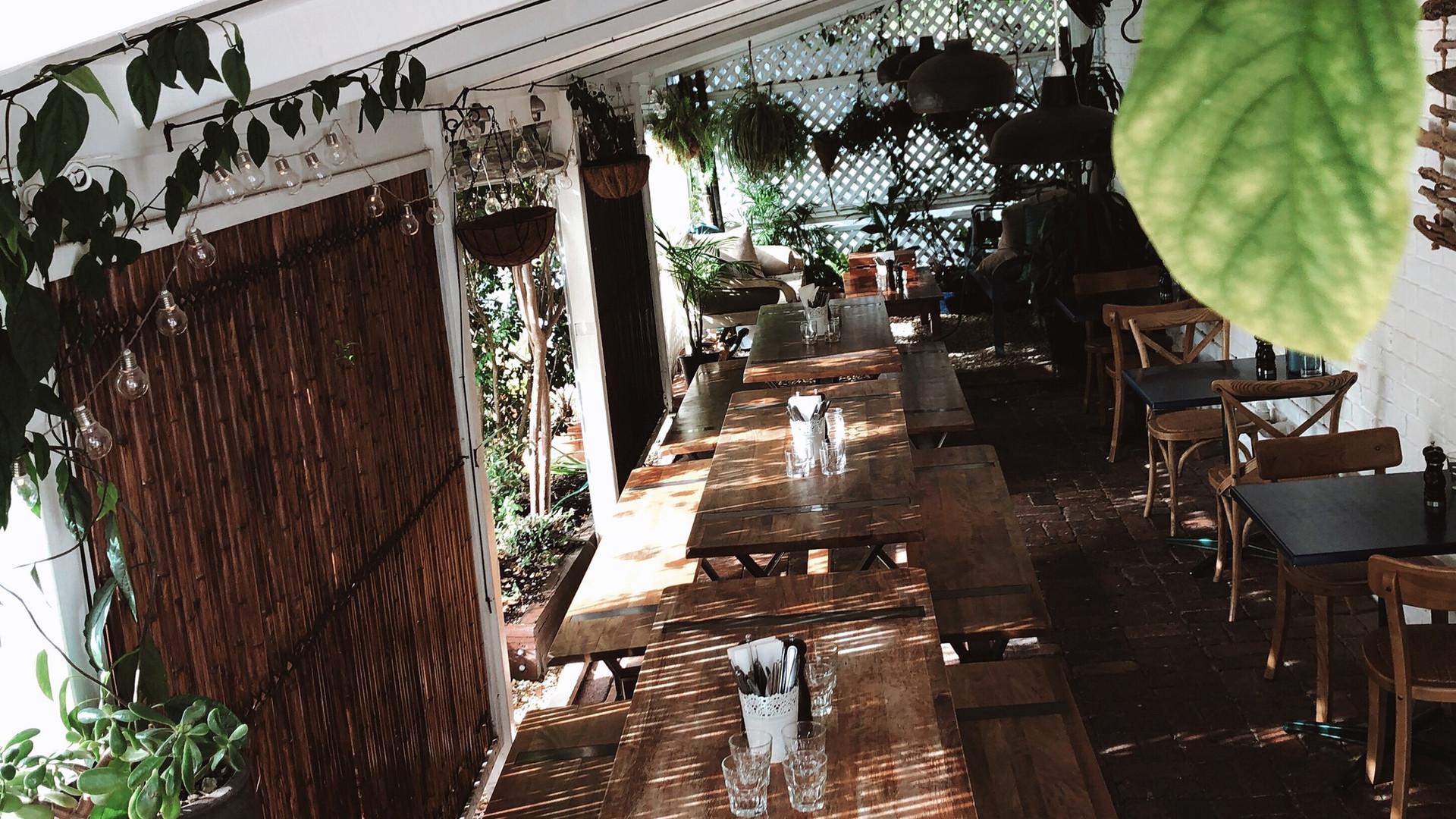 Pizza Paradiso Dining Area