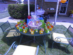 favor and gift table