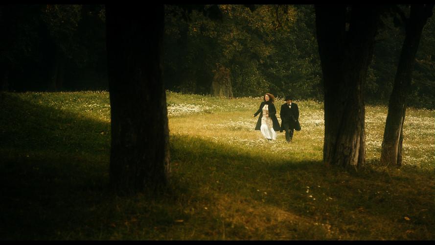 Mahler Alma in field 1.jpg