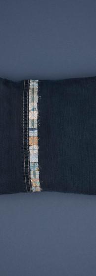 single stripe offset soft blues small sq