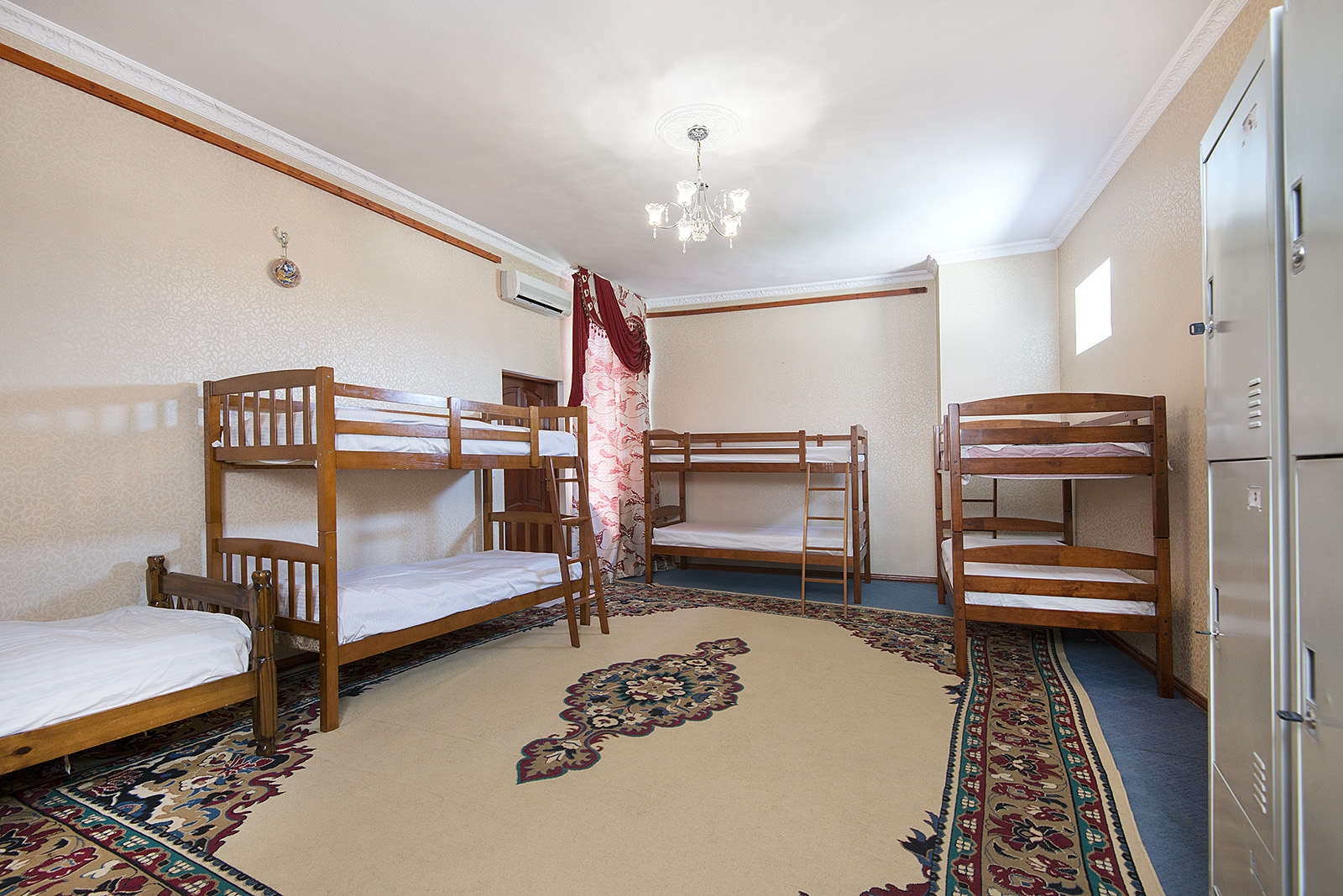 7 Bed Dorm