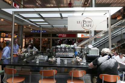Le petit cafe Nyon La Combe