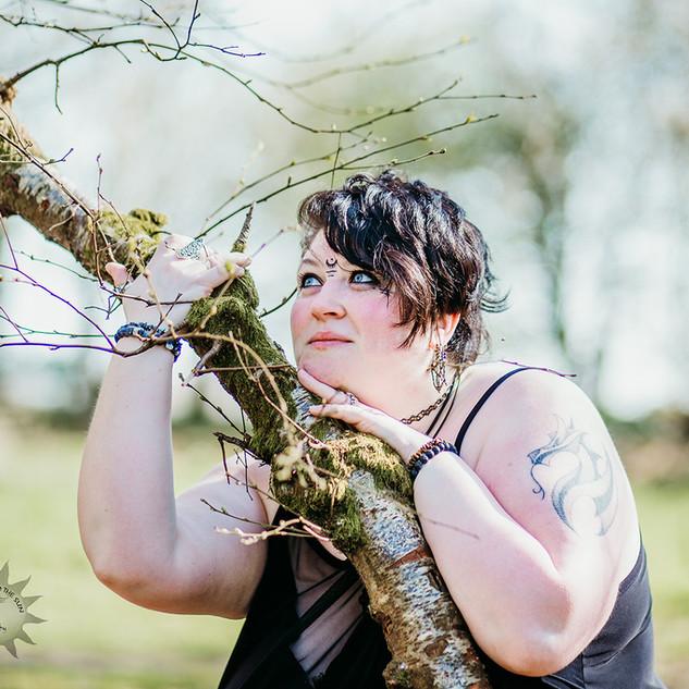 Woman photoshoot face tatoos (6).jpg