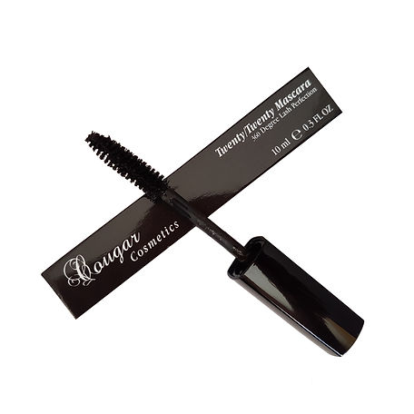 Mascara for sensitive eyes removes with water