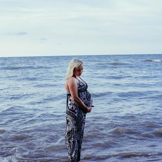 Lake Erie Maternity Photography