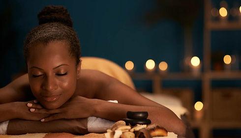 Massage-Black-woman-synthia-Kinsa-1024x5