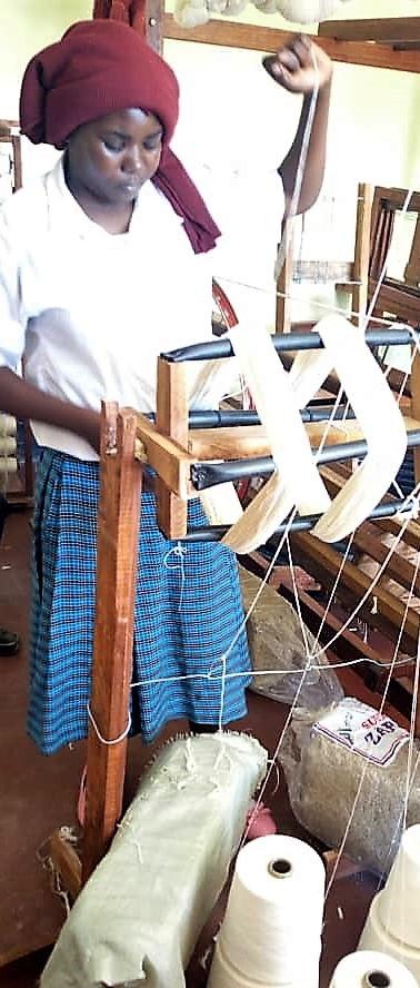 Nesarian weaving