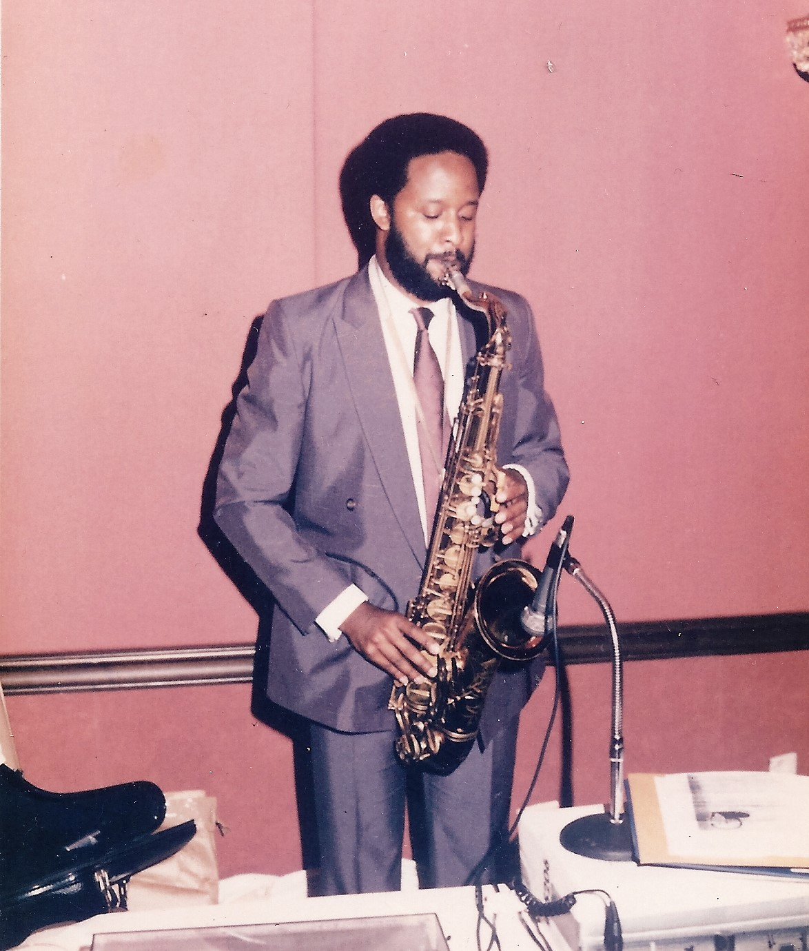 Nat Dixon_Saxphone_1