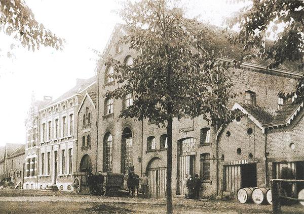 Vooraanzicht Brouwerij St. Rochus, Ulbeek