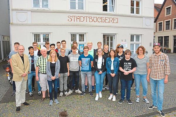 Poetry-Slam-Workshop-in-der-Stadtbuecher