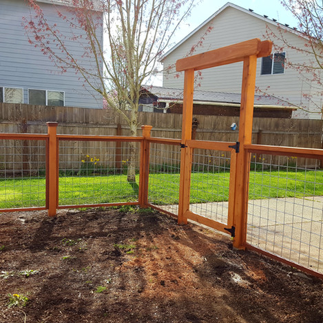 deck, beams, support, patio, wall, stairs, railing, concrete, block, treated, level, wire, framing, roof, corners, ridge, posts