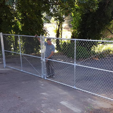 24 foot wide chain linkn fence gate opening