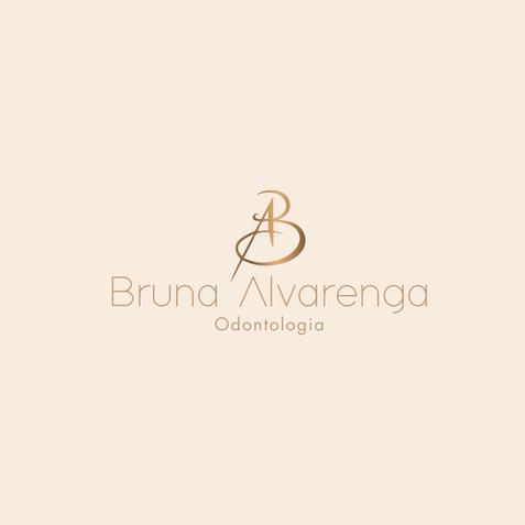 Bruna Alvarenga.png
