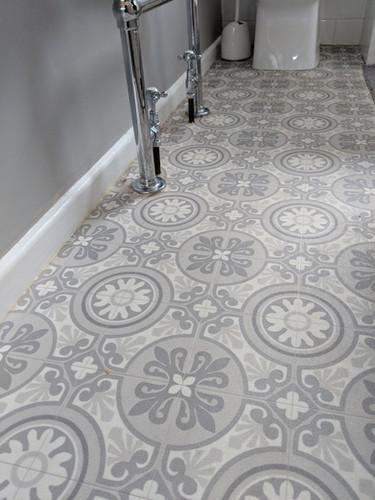 vinyl in bathroom mosaic effect