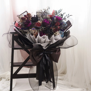 Customized Preserved Mega Bouquet (Black Theme)