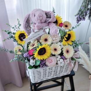 Jellycat + Customized Basket