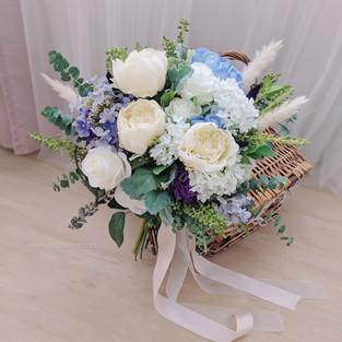 Artificial Silk Flower Bridal Bouqet