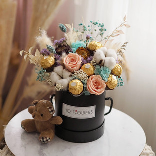 Preserved Bloom Box w FR Chocolates