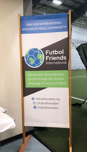 Futbol Friends International door-sized
