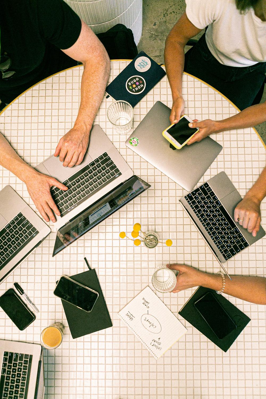 espaces coworking pepiniere couveuse ou incubature ? espace de travail fait pour vous
