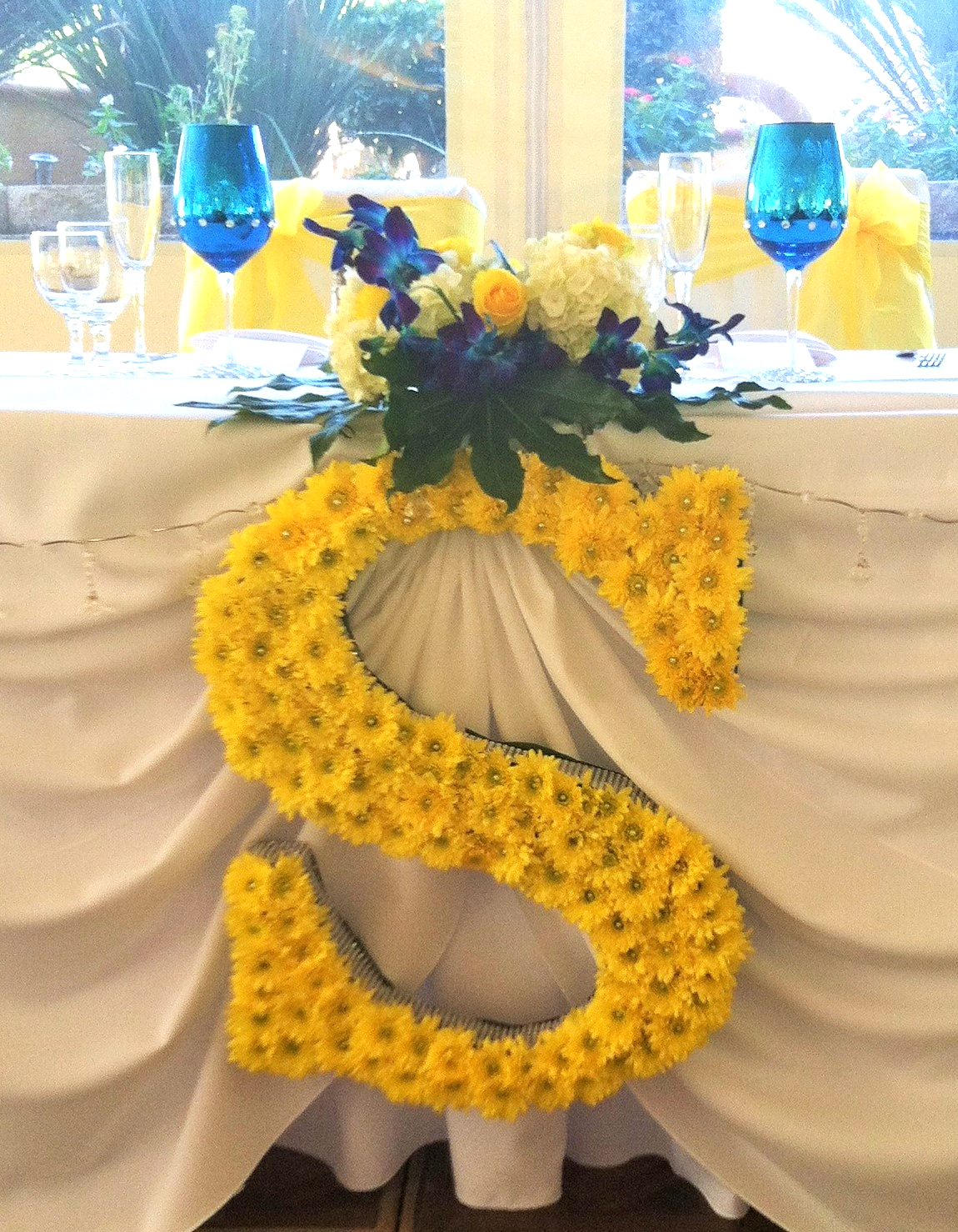Custom Letter for Head Table