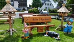 Anne und Hermann + Bierkasten