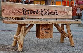 Froeschlebank + Bierkasten