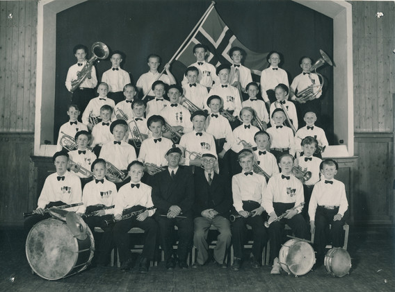 1946 FMK.jpg