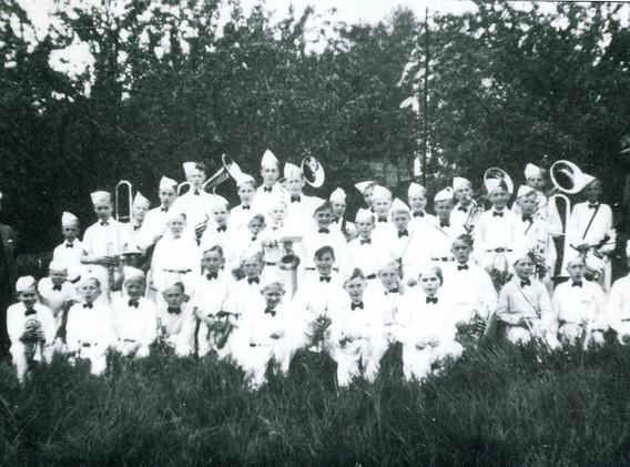 1943 FMK.jpg