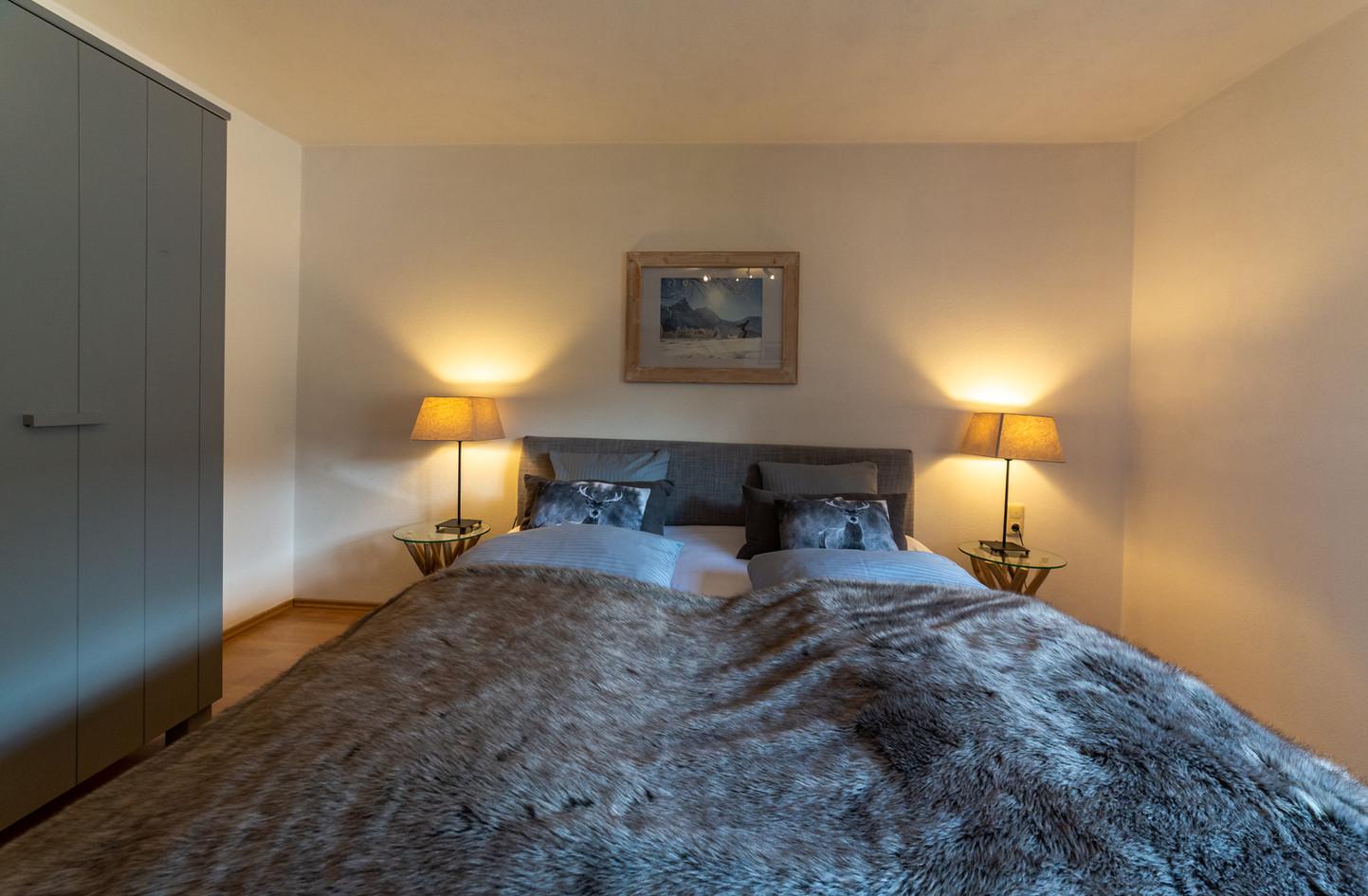 schneehaus kristal site bedroom 2.jpg
