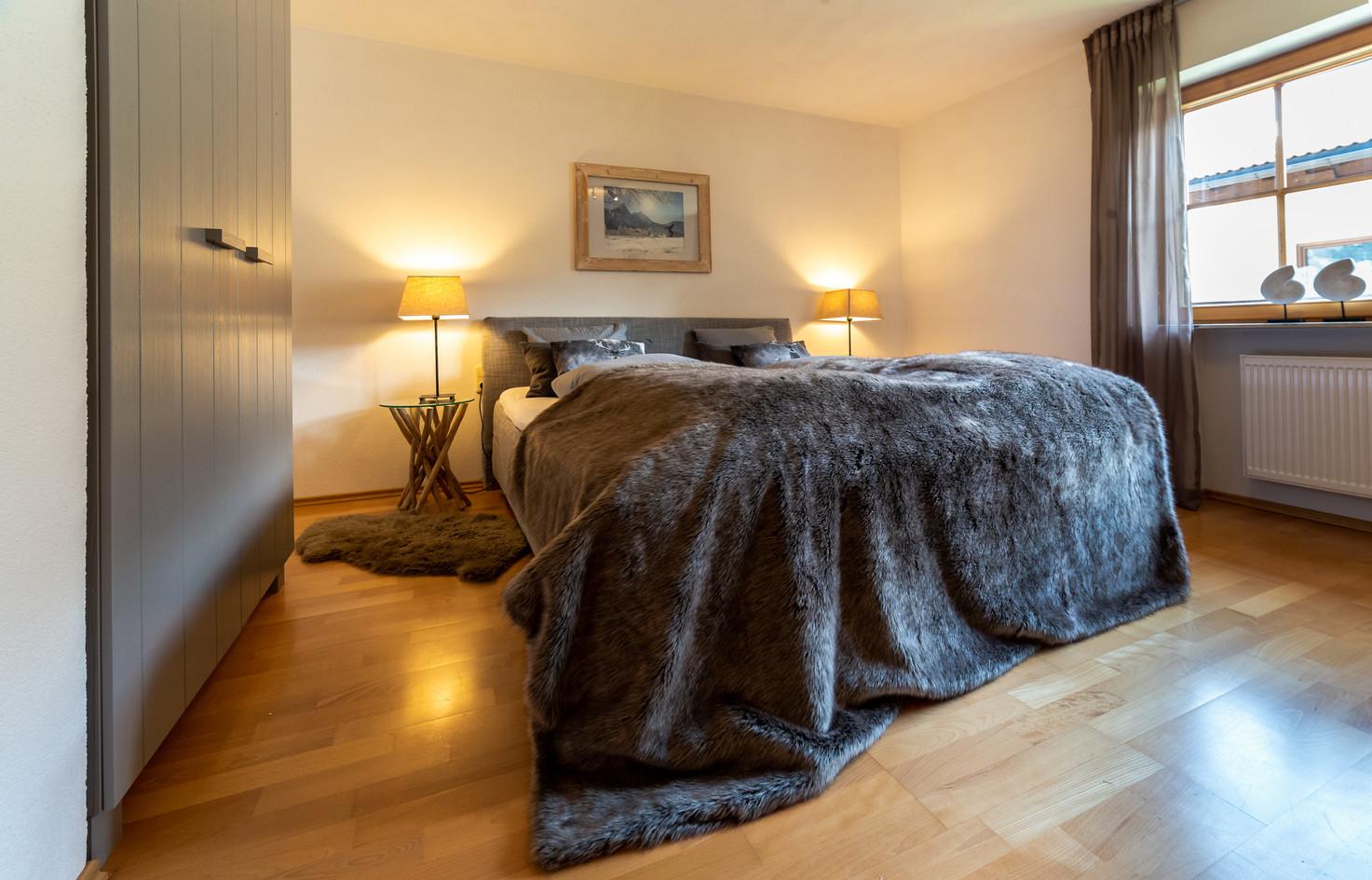 schneehaus kristal site bedroom 1.jpg