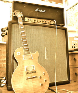 Les-Paul Standard faded. Marshall 100 watt. 1973. Tall Vintage cab