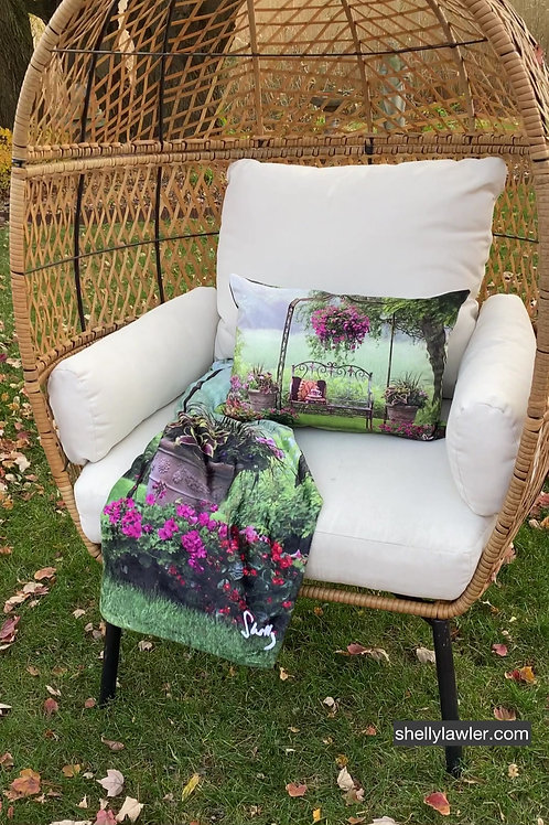 GARDEN DREAM PILLOW