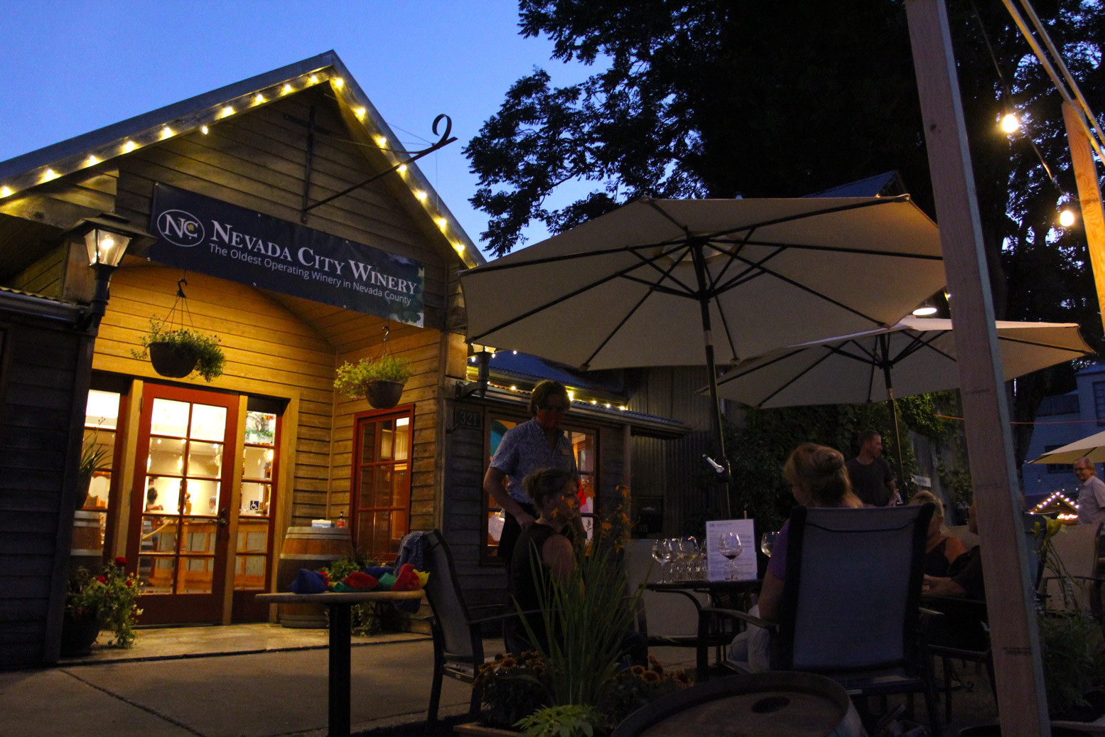 Bistro Seating Nevada City California outdoor