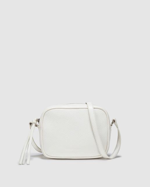 IT BAG en color blanco para contrastar