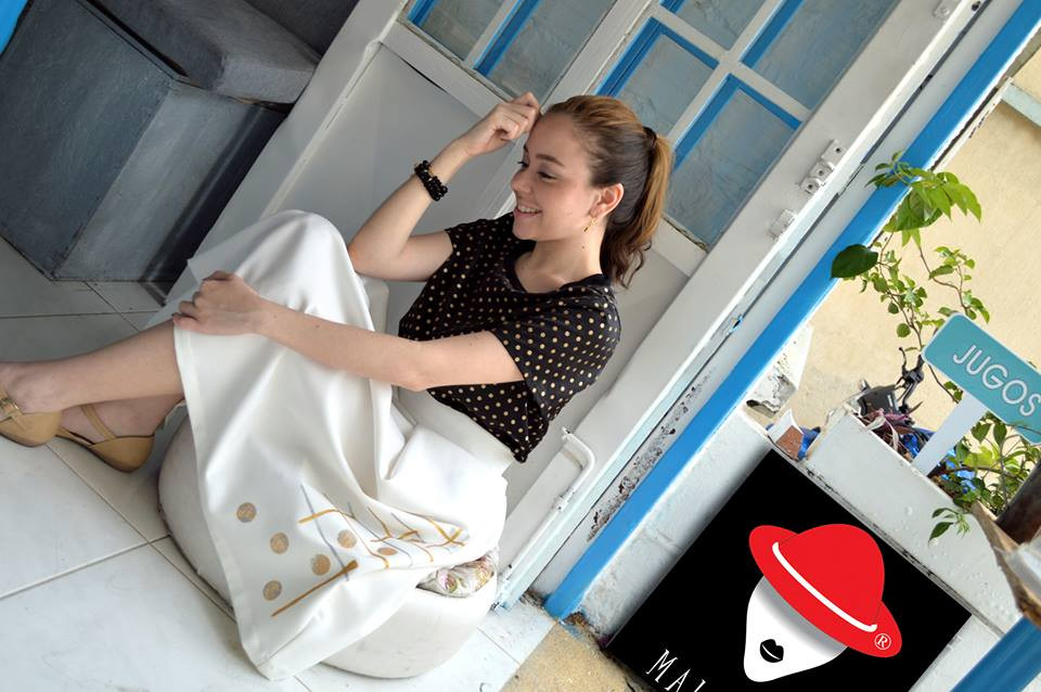 Outfit y foto tomada de la marca Maliné-BG