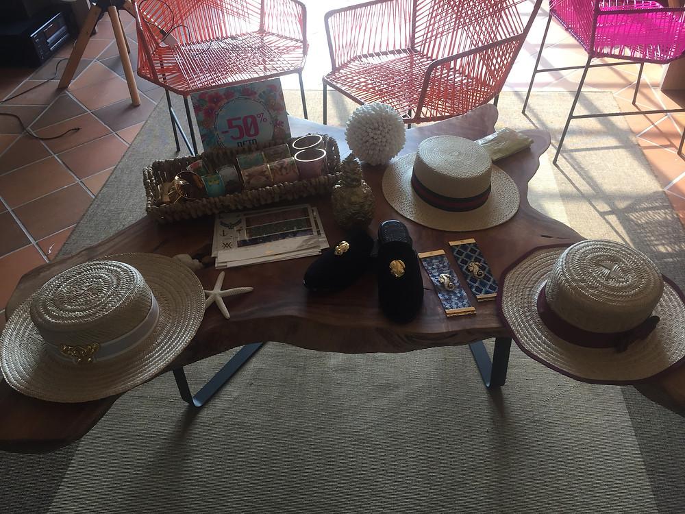 Sombreros de Margarita Díaz del Castillo en el showroom de Flor Amazona