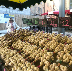 Garlic stall in Aix-en-Provence