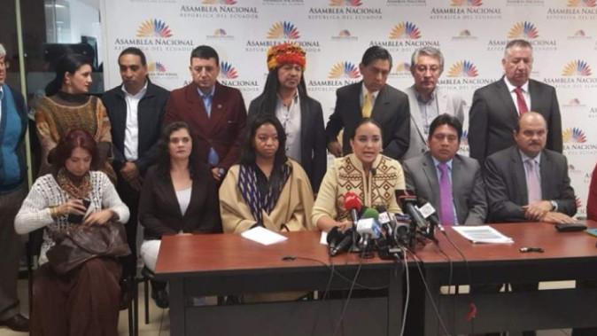 Asambleístas de País molestos por notas sobre negativa de algunos de sus miembros de donar 10% de su