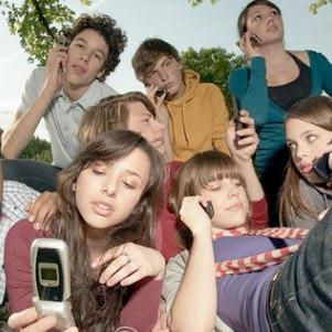 Adolescentes y la adicción al celular