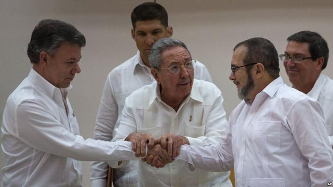 Colombia y las FARC logran cese al fuego definitivo
