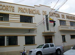 Actualización: Un año de prisión a implicados en venta de puestos en Municipio de Ibarra