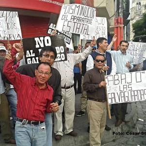Un puñado de ciudadanos protestaron en Ibarra este jueves