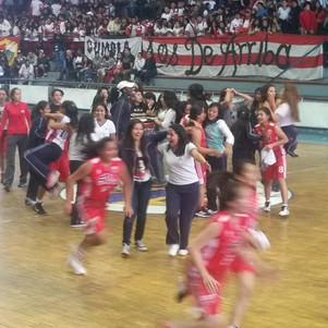 Bethlemitas y Teodoro Gómez dominaron intercolegial de baloncesto