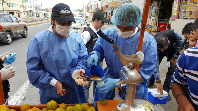 Instituciones sanitarias inician control de venta de jugo de naranja en Imbabura