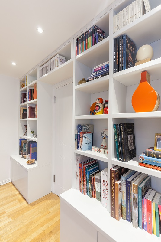 Built in bookcase with cupboards