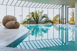 14m horizon edge pool by Mobius Pools