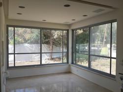 חלונות למרפסת שחר תכנון ובנייה